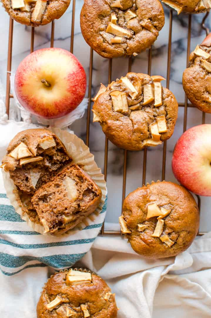 Amazingly delicious apple cinnamon muffins with the perfect texture and amazing color